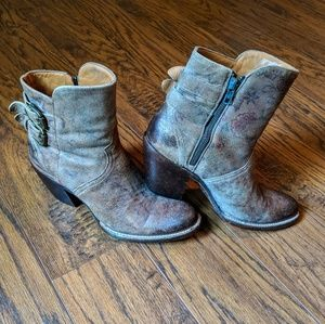 ***SOLD SOLD SOLD*** Lucchese cowboy booties